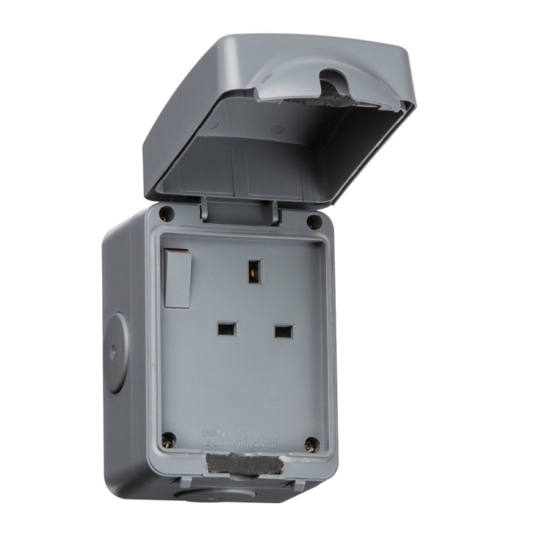 Knightsbridge IP66 13A 1Gang DP Switched Outdoor Socket IP7000